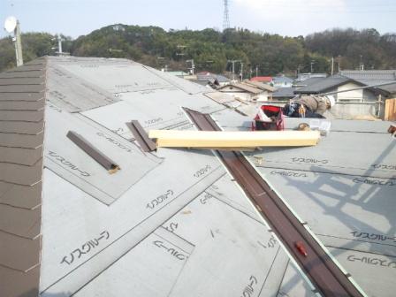 屋根瓦葺き (1)