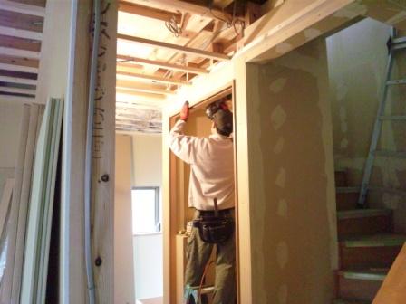 玄関廊下収納天井仕舞