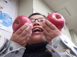 お客様からりんごのプレゼント (2)