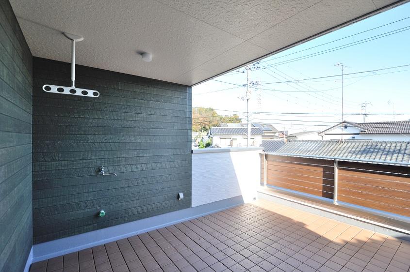 広々バルコニーのグリーンなお家イメージ3